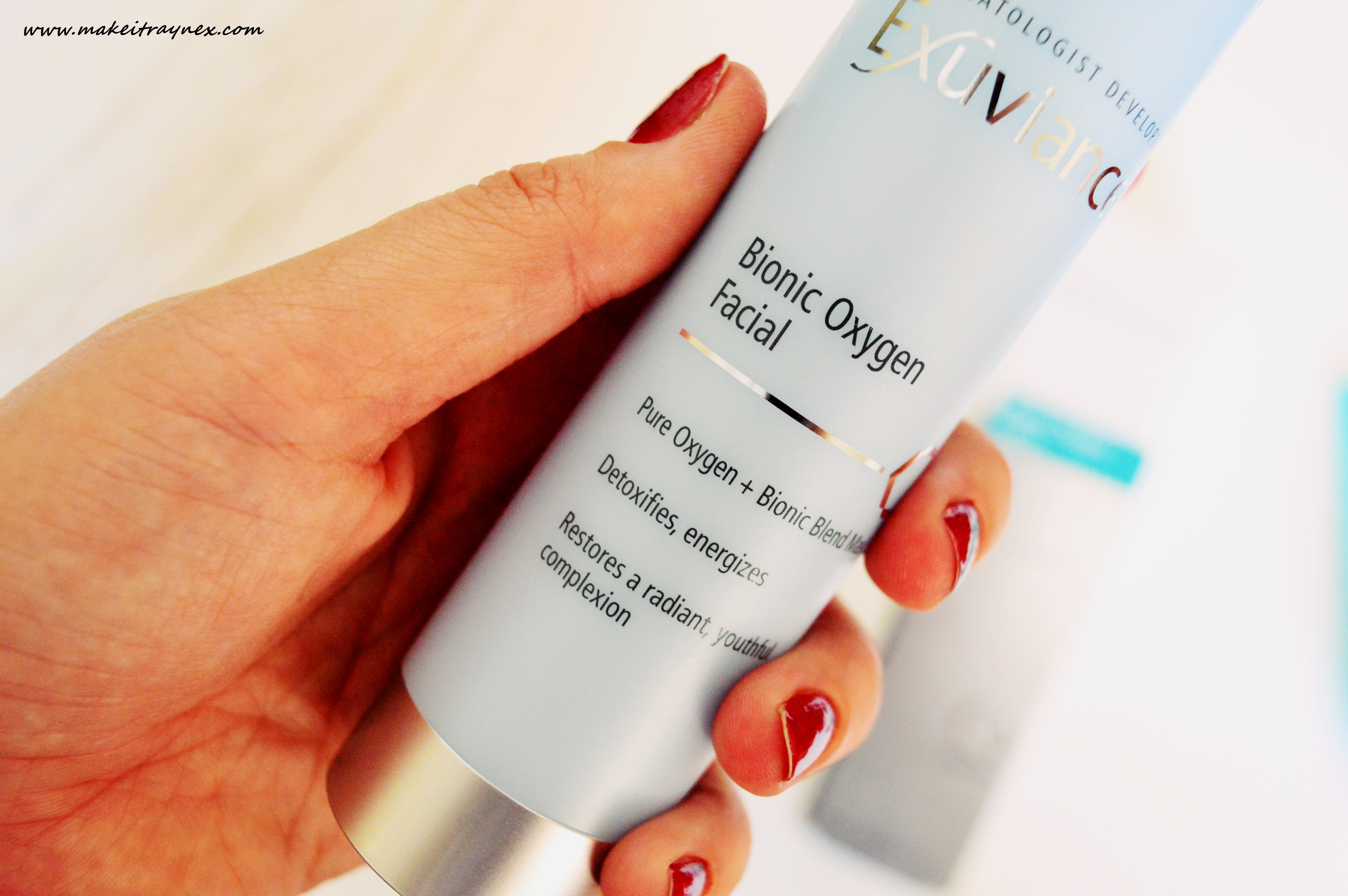 Toning Neck Cream and Bionic Oxygen Facial from Exuvience {LUXE REVIEW}