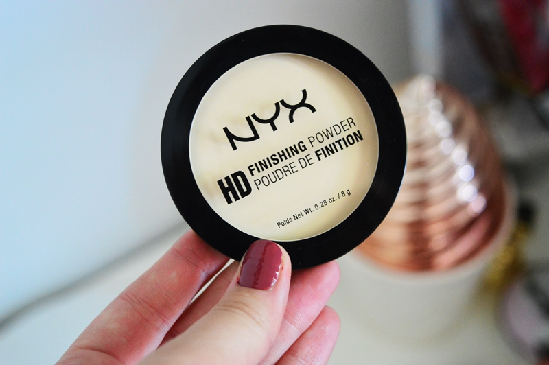 HD Banana Finishing Powder from NYX {REVIEW}